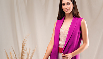 Breathe and feel the finesse of our blended alpaca fabrics.